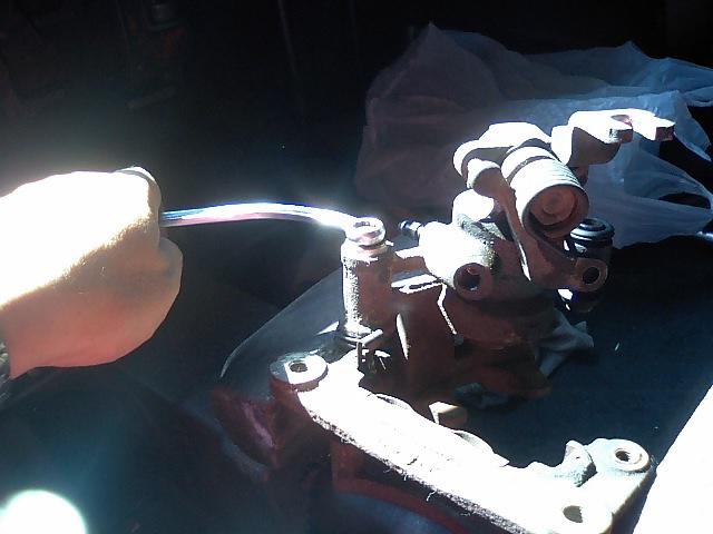 AE86トレノ 左リヤキャリパーオーバーホール