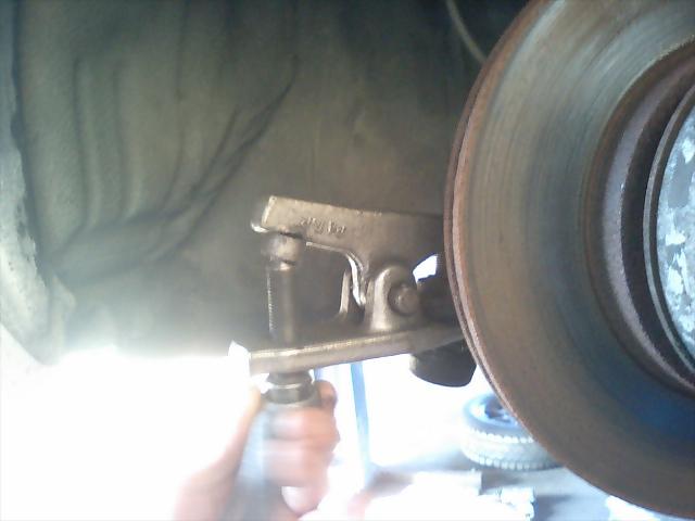 AE86レビン ピロタイロッドエンド交換1